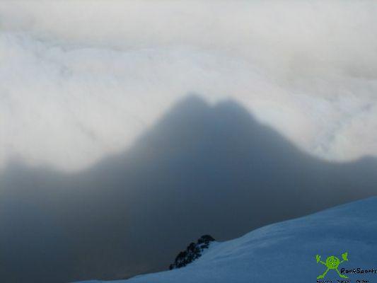 [Bild: 5_Glockner_in_Wolken.jpg]